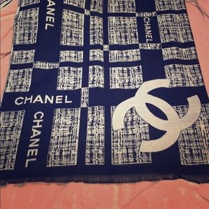 CHANEL Cashmere Blend Black/White Scarf Wrap